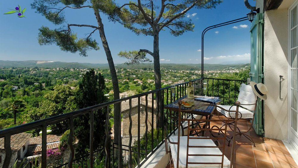 The view from the West Balcony takes in the PréAlpes behind St Paul de Vence