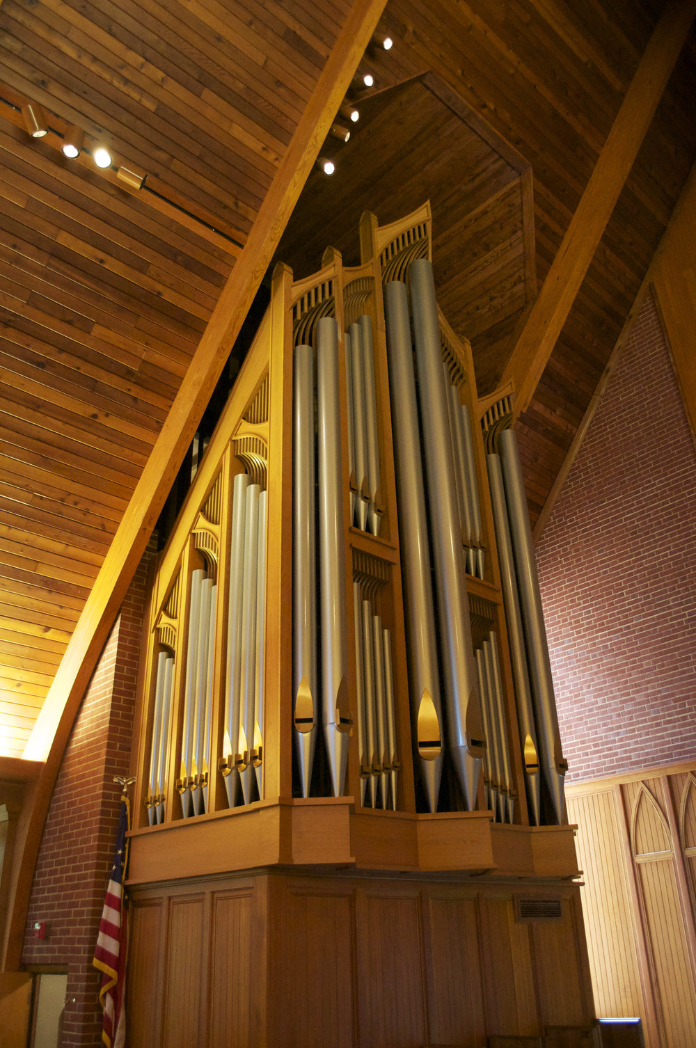 Nichols and Simpson pipe organ
