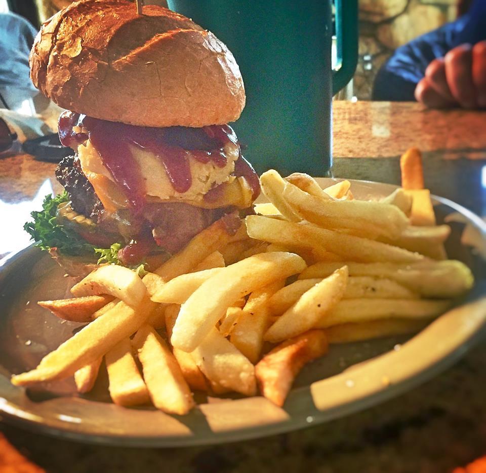Dell Sandwedge burger.jpg