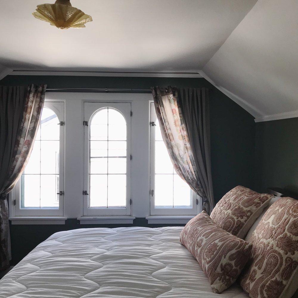 bedroom_1b.jpg