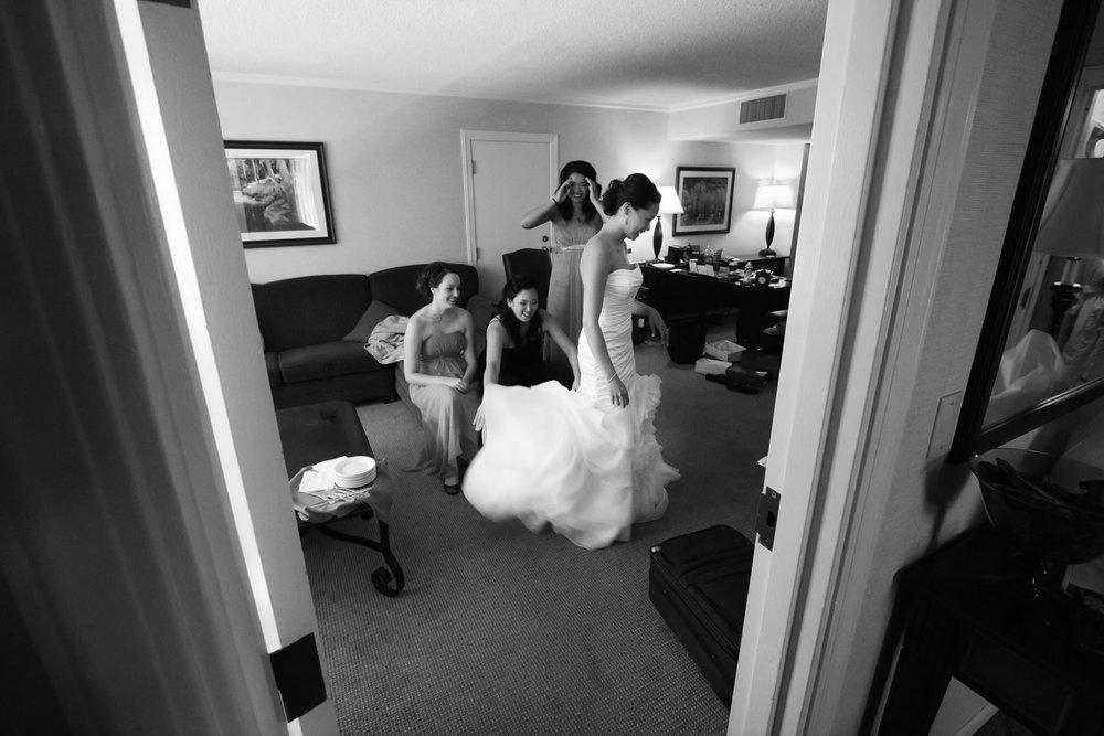 red-rocks-wedding-photographer-denver-tomKphoto-026.jpg
