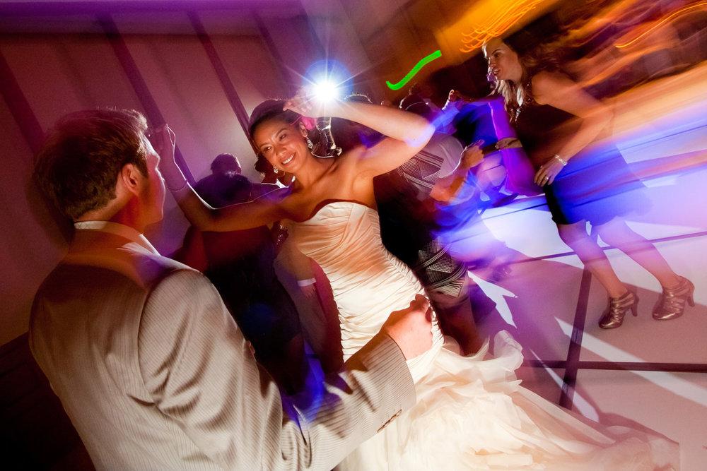 red-rocks-wedding-photographer-denver-tomKphoto-043.jpg