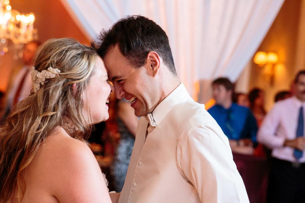 lakewood-country-club-wedding-photographer-tomKphoto-040.jpg