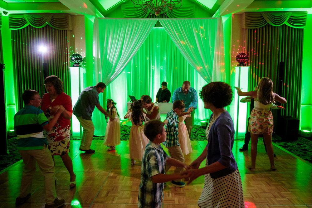lakewood-country-club-wedding-photographer-tomKphoto-041.jpg