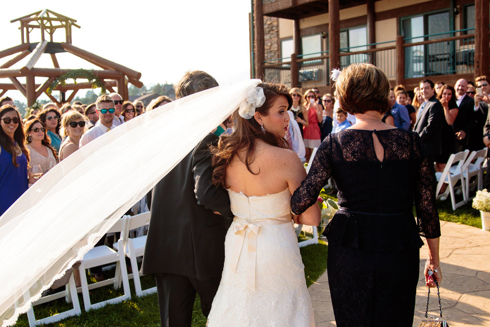 estes-park-resort-wedding-photographer-tomKphoto-014.jpg