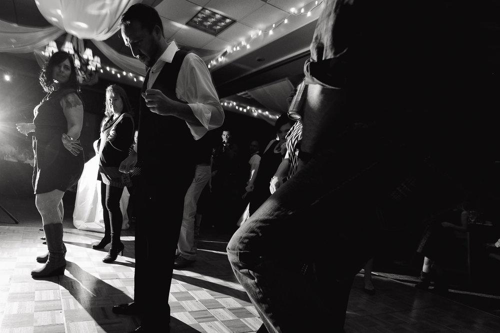 centennial-valley-country-club-wedding-tomKphoto-024.jpg