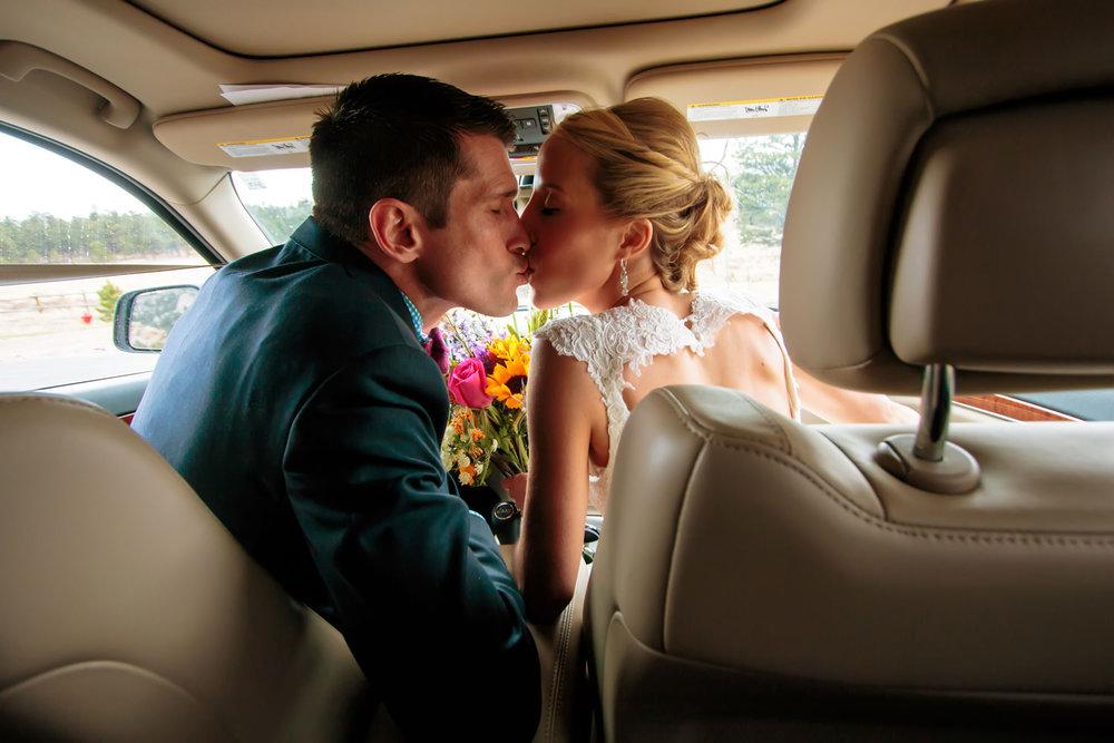 black-canyon-inn-wedding-estes-park-tomKphoto-040.jpg