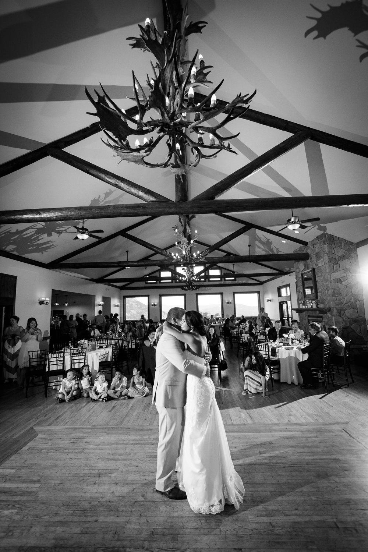 taharaa-mountain-lodge-wedding-estes-park-tomKphoto-154.jpg
