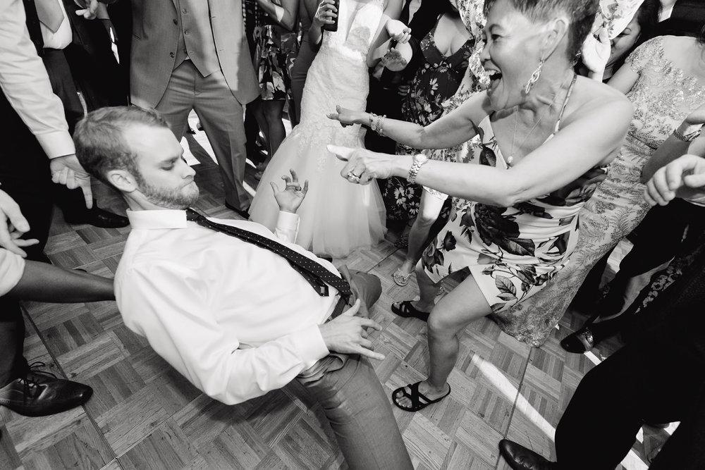 mount-vernon-canyon-club-wedding-tomKphoto-017.jpg
