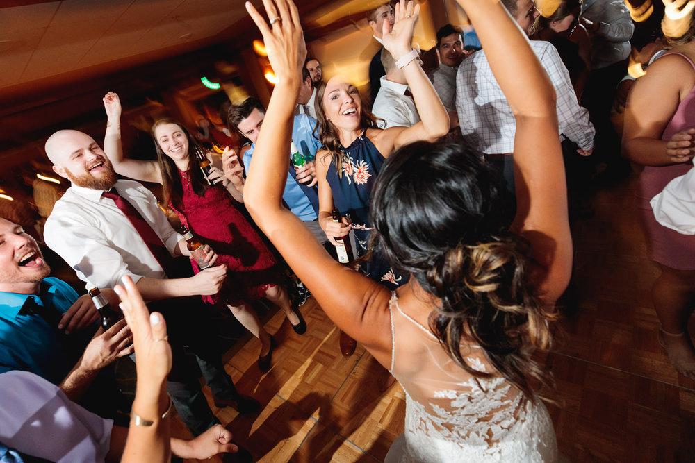 mount-vernon-canyon-club-wedding-tomKphoto-020.jpg