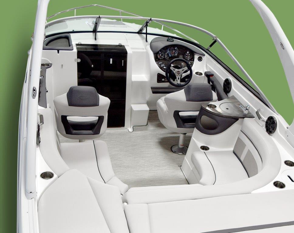 26CC_Cockpit.jpg