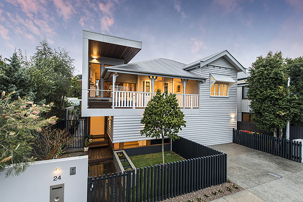 NEW FARM, BRISBANE - Turning a 1920's Queenslander into a modern, eco-friendly, non-toxic home, honoring the old and the new. Located in the heart of Brisbane this inner city sanctuary is the perfect escape from the daily grind.