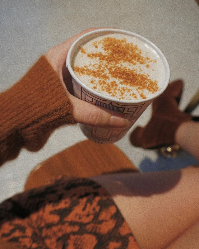 tis the season for cinnamon lattes