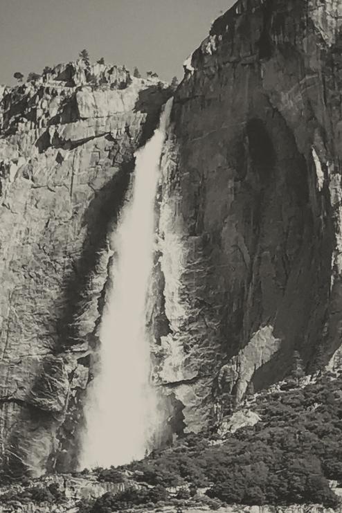 YosemiteFallsIced2.jpg