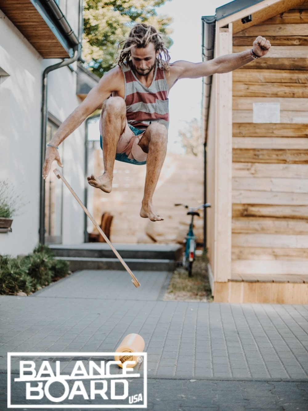 Challenge yourself - No wind? No waves? No problem! Balance board offers a perfect alternative for any board sports such as skateboarding, surfing, snowboarding, wakeboarding and many more! Play with your Balance!If you play any other sports, use it to improve your general balance and core muscle strength. Take it with you anywhere you go!Perfect addition to your daily training routine; combine it with weight lifting, gymnastics, yoga or any other training.