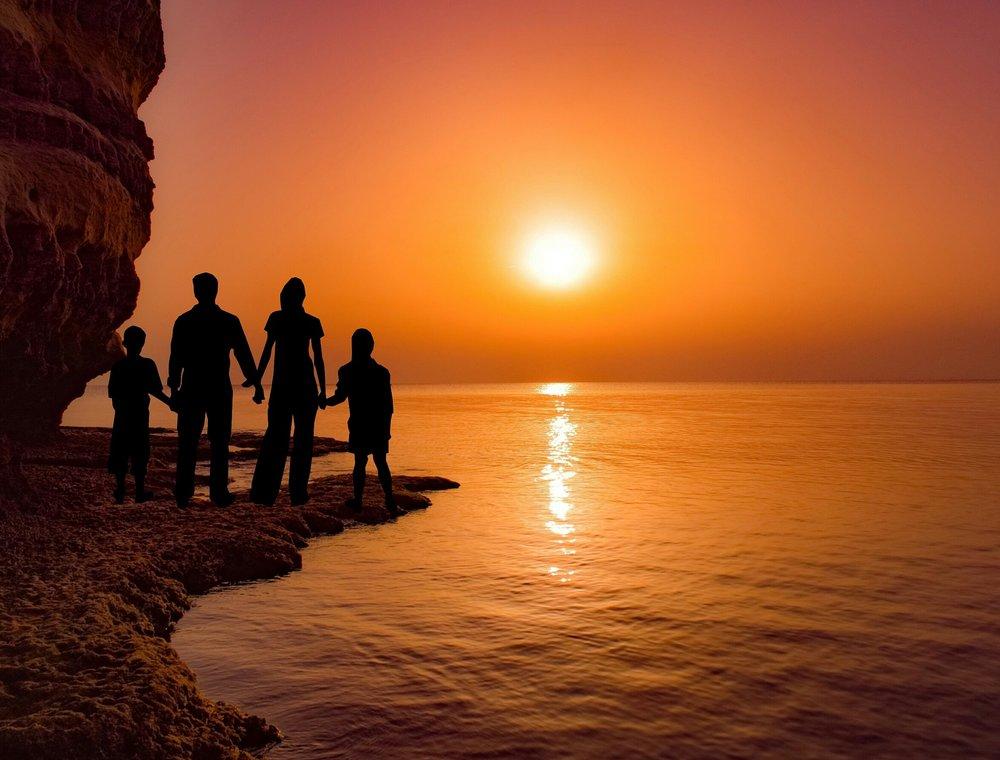 sunset-3309764_1920.jpg