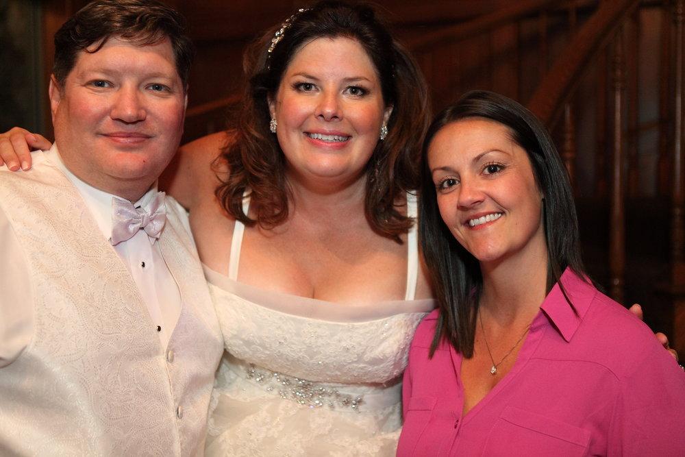 Timeless Green and White Irish Wedding | Woodstock Opera House | Bull Valley Country Club42.JPG