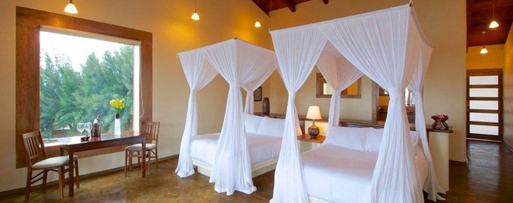 DOUBLE SuiteMXN 19,200 * - 2 Queen Beds for 2 PersonsiPod dock, safe, fan, closet, mini bar, TV & JacuzziRegular Price $22,894.-
