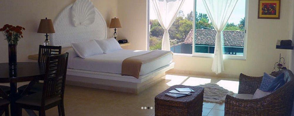 SUITE FAMILIARMXN 32,125* - King Size bed for 1 personkitchenette , fan, closet, TV y Jacuzzi.