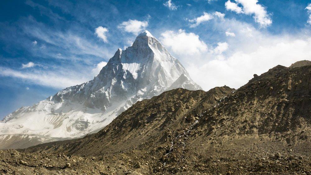 Shivling' (6543m) in the Garwhal Himalaya.