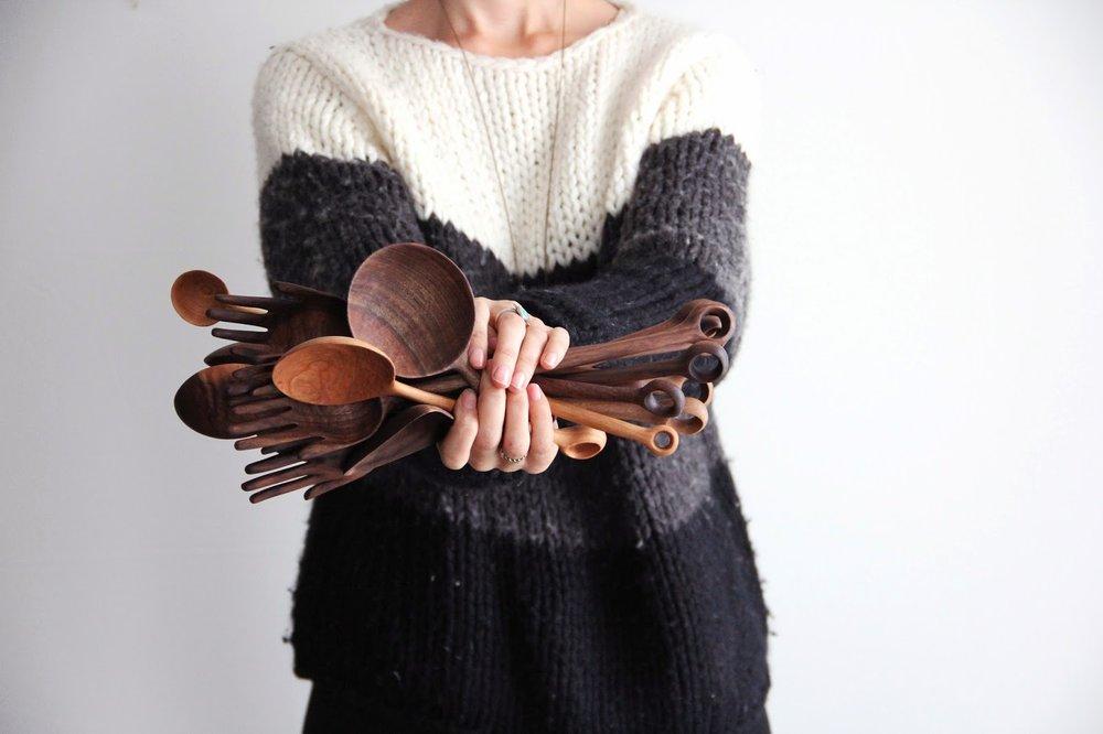 ariele_alasko_handcarved_spoons_05.jpg
