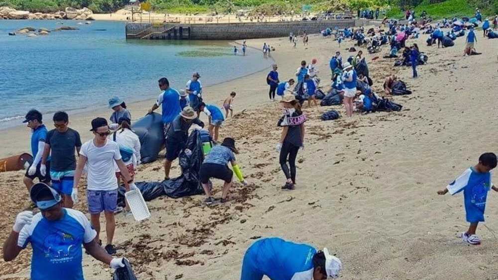 Beach clean up in Hong Kong