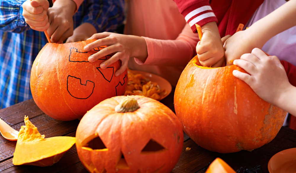Pumpkin  Lantern  - Fun curving experience for kids! Make your own pumpkin lantern and bring halloween spirit to your  home.October 28 - SundayTIME: 3 - 6 pm
