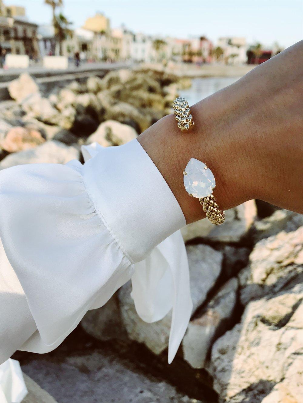 Classic Rope Bracelet I White Opal