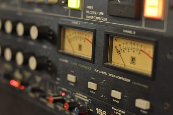 LA Audio Classic (1176 style, stereo)