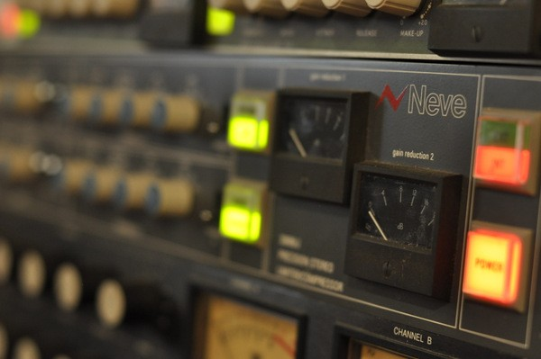 Neve 33609 (stereo)
