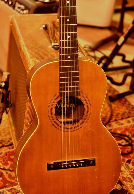 """1919 Parlor guitar """"the vernon"""""""