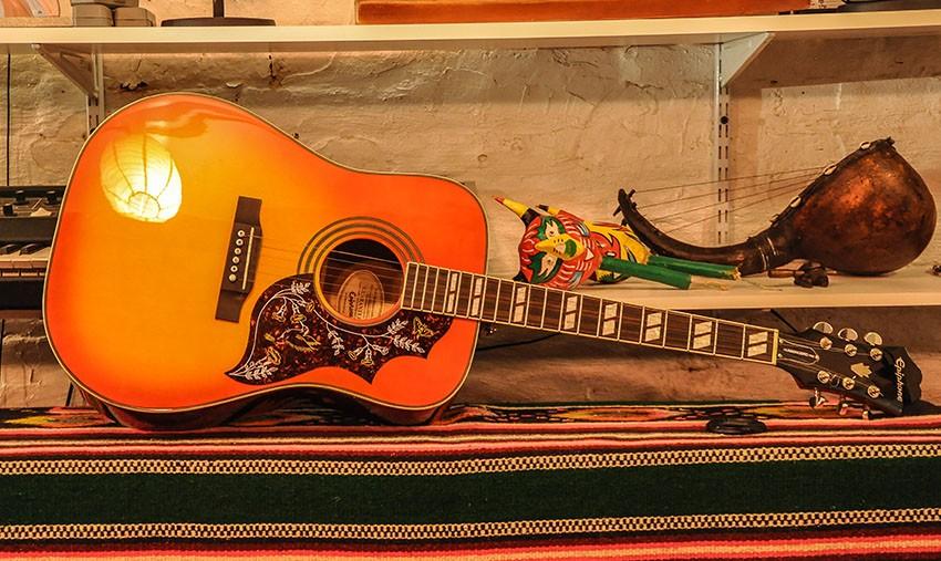 Epiphone 'Hummingbird' Nashville Strung Acoustic