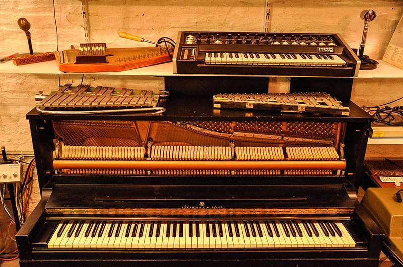 Steinway 1098 Studio Upright Piano (vintage, 1966)