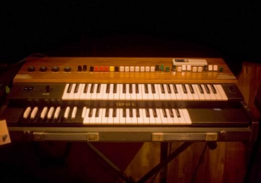Yamaha Organ YC-25D Combo Organ (vintage)
