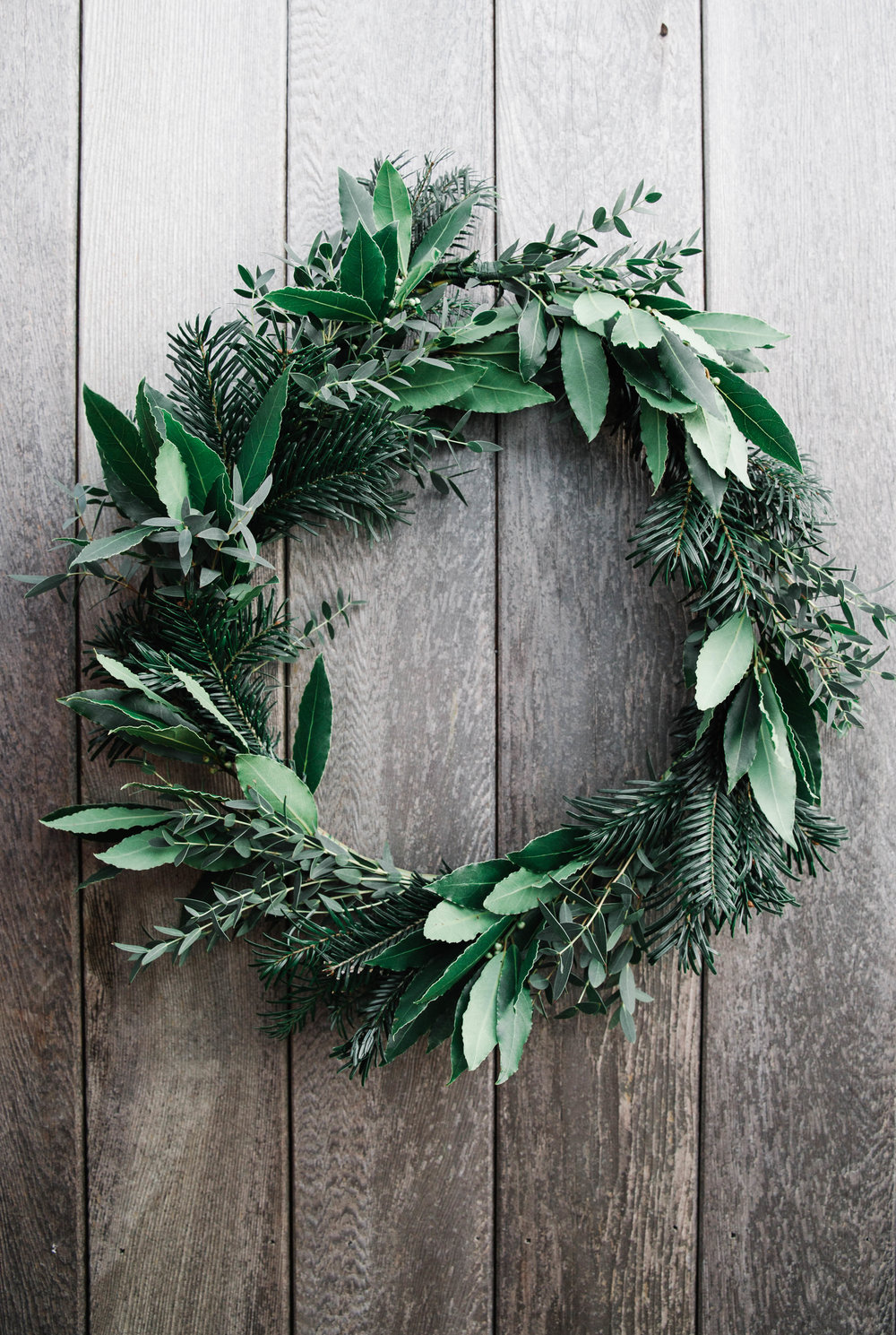 how to make a foraged Christmas wreath