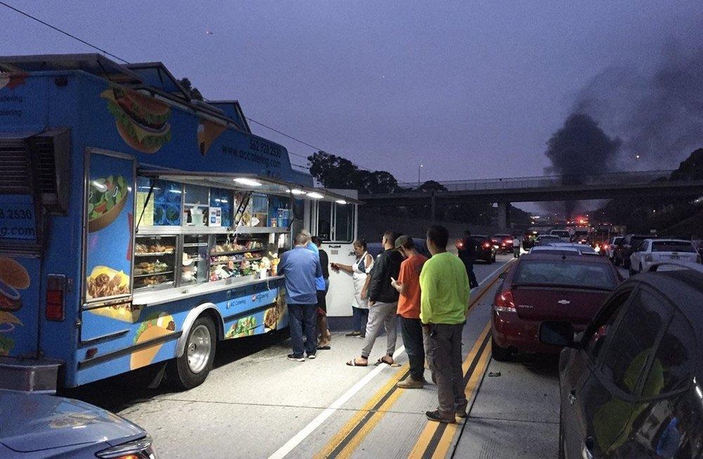 taco truck traffic.jpg
