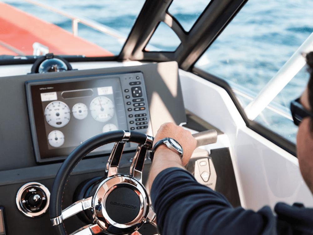 lo-1-axopar-28-lo-yachting-2.png