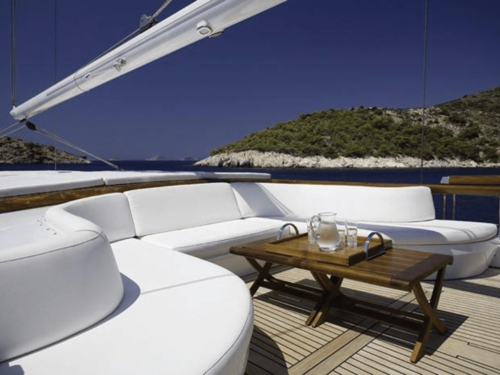 althea-schooner-123-lo-yachting-2.png