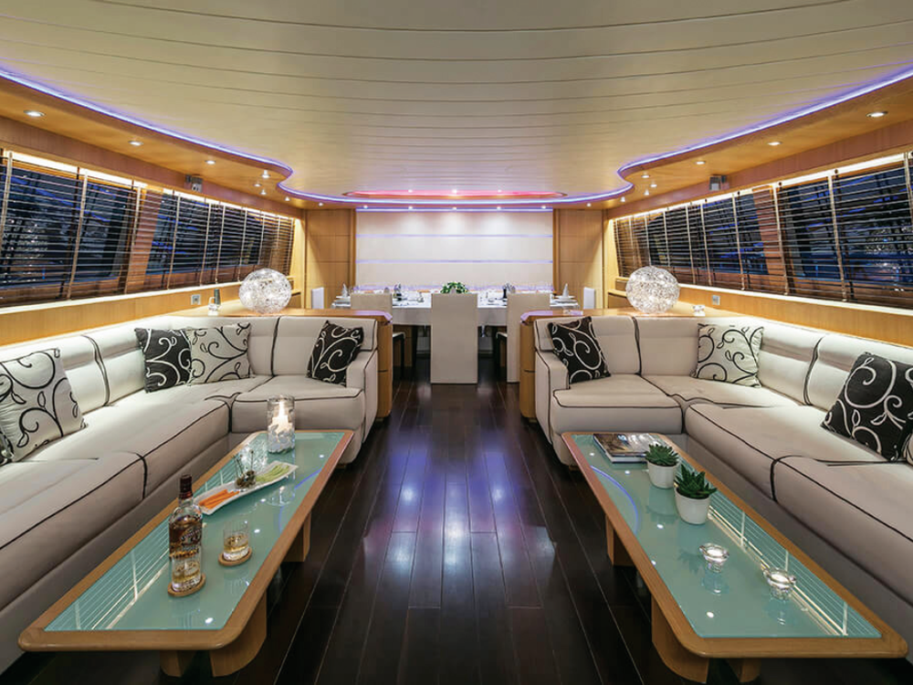 paris-a-maiora-115-lo-yachting-2.png