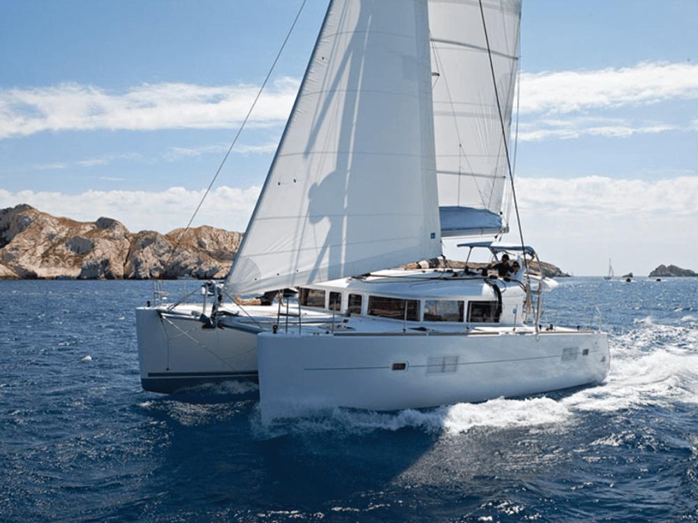getaway-lagoon-400S2-40-lo-yachting-1.png