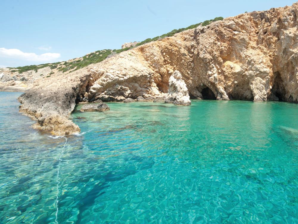 Mykonos - Delos - Rhenia - Paros - Koufonisia - Schinousa - Ios - Santorini