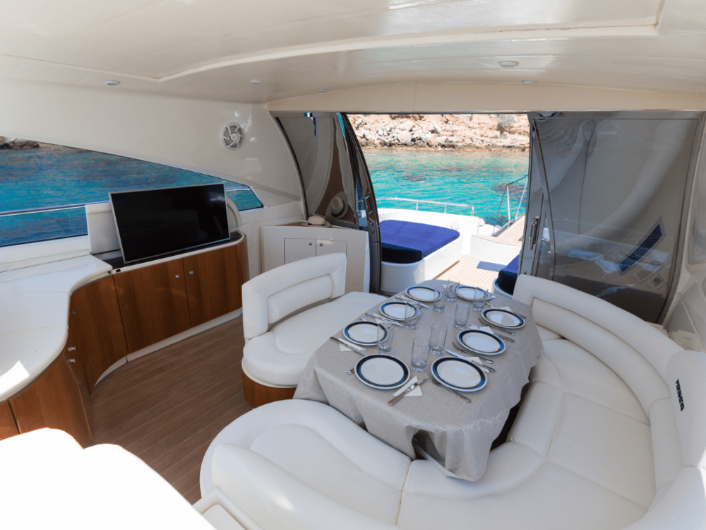 axion-pershing-65-lo-yachting-13.png