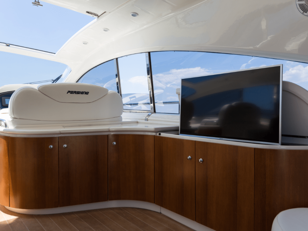 axion-pershing-65-lo-yachting-24.png