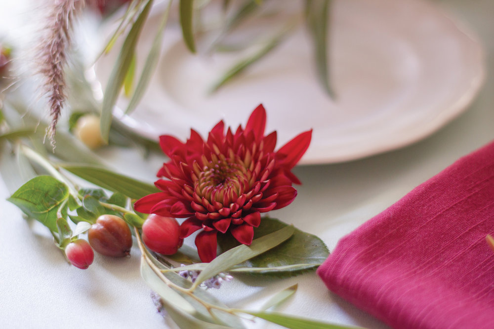 your-home-magazine-table-setting-holiday3.jpg