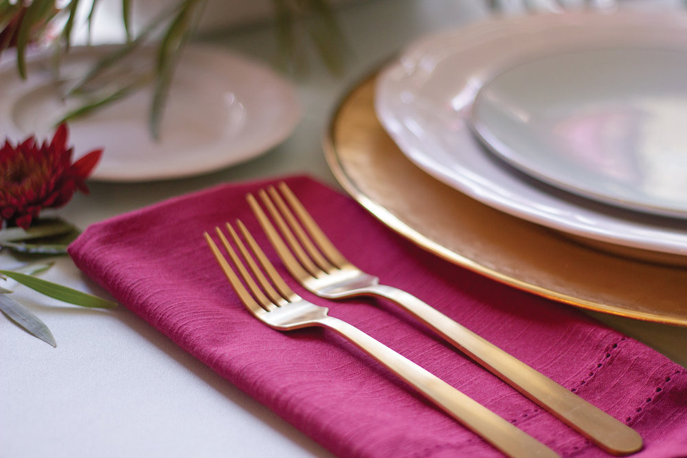 your-home-magazine-table-setting-holiday4.jpg