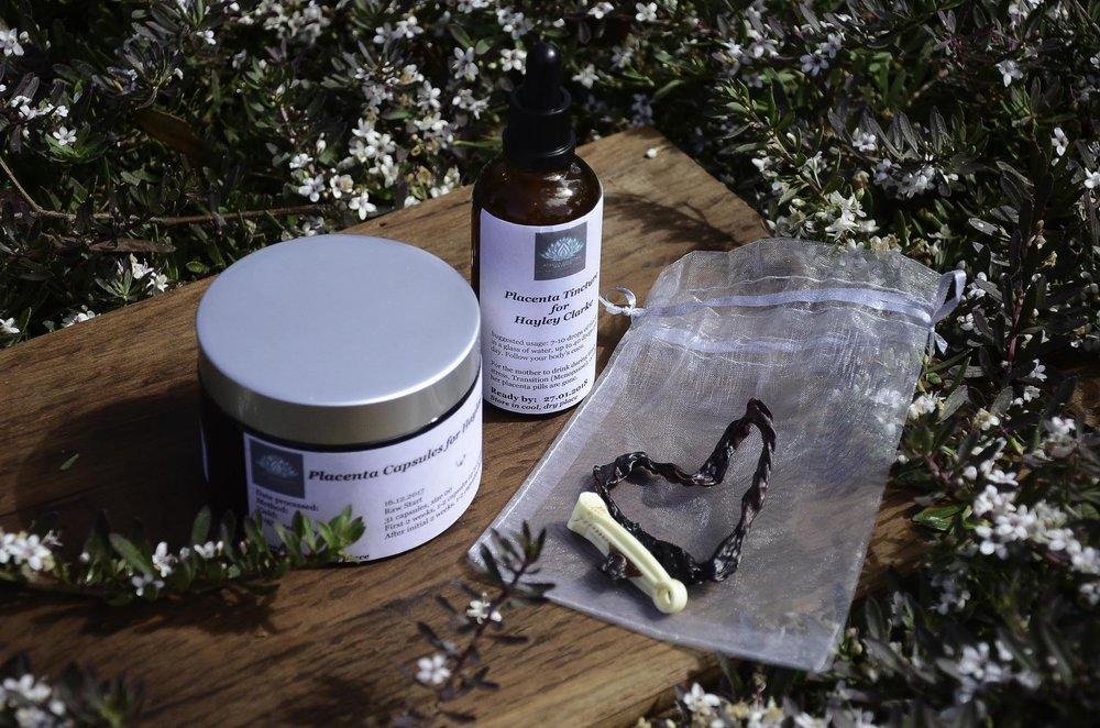 Placenta Encapsulation Specialist Perth. Photo: Aurelia Balestra mavrick