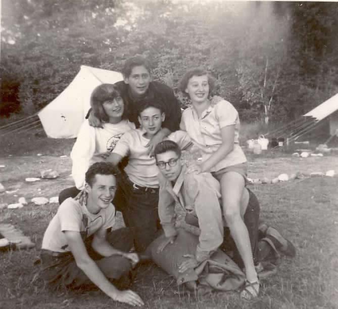 Biluim 1952 - Herb Goldman bottom left.jpg