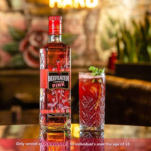 Strip away the ordinary and let her satisfy your royal cravings ✨ Let the Queen Mary made up with Beef Eater Pink Gin, Beetroot Superfood, Vanilla Syrup, Lemon, Basil and Apple Juice rule your night at Roxanne's ❣️ #gin #beefeater #queenmary #cocktails #nightout #nightlife #party #roxannesrumeatery #pineslopes #fourways #jhb