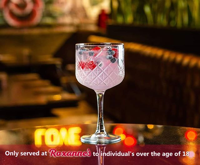 Raise your standards and the universe will meet you there 💖  Elevate your senses with a taste sensation from the Pink Beef Eater Gin paired with Clark & Sons Pink Tonic and drizzled with sweet berries 🍒  Tag a lady friend who would love this drink and we'll choose a lucky winner in the comments section below to get a complimentary one.  #RoxannesRumEatery #pineslopes #fourways #jhb #restaurant #cocktails #drinks #nightlife #nightout #party #gin
