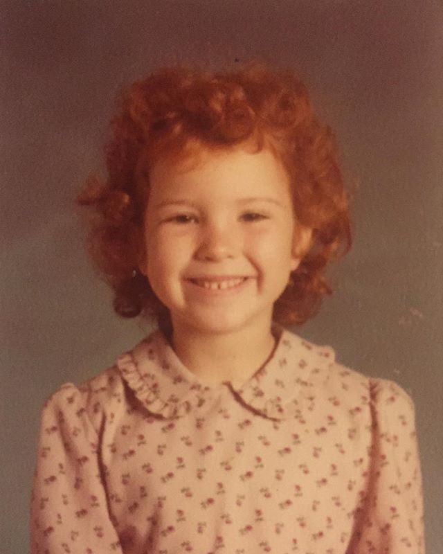 Weekend Vibes.... 🌟🌟🌟 This is my Kindergarten pic, and I remember vividly not brushing my hair that morning. Some things never change. #fbf #annie #archives